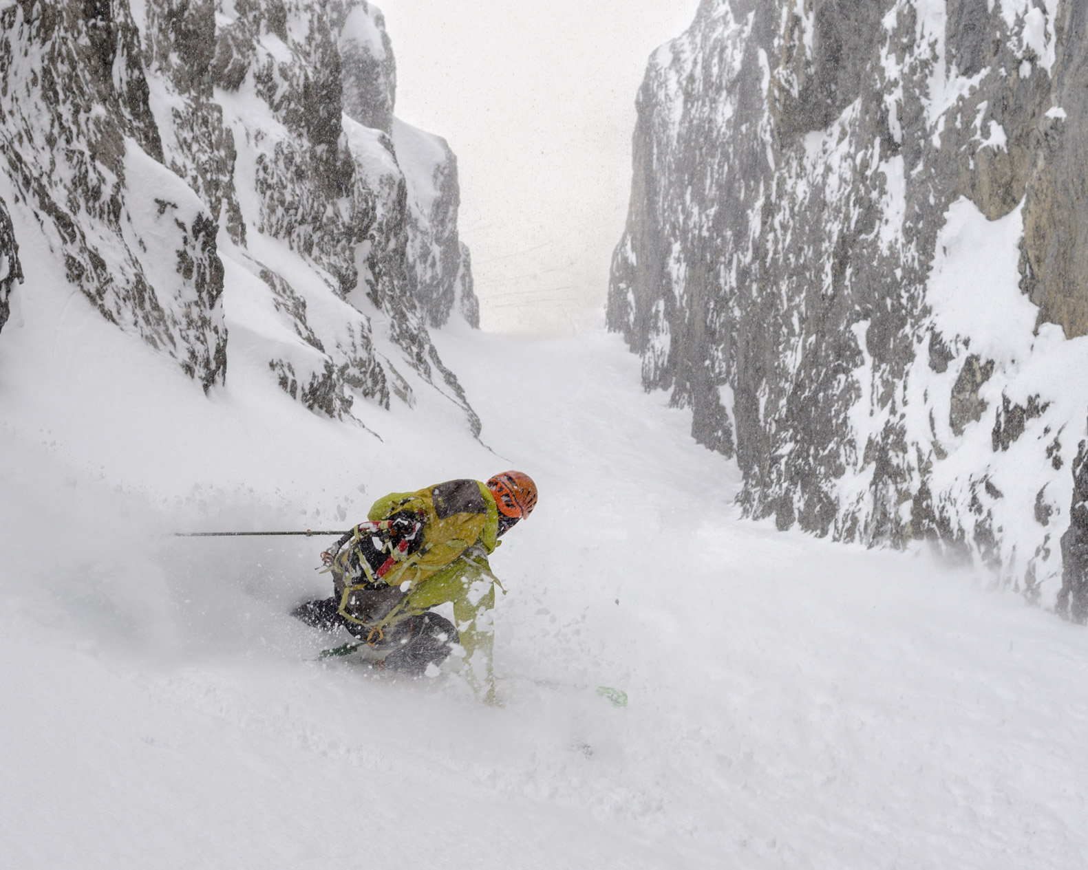 Retreat! Commonwealth N Couloir